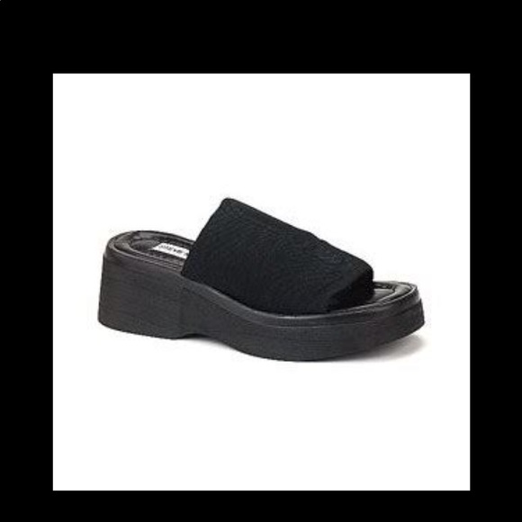 eb493179dbff Steve Madden SLINKY Platform Slide Sandals 10. M 5adf63ee3800c51d11481de2